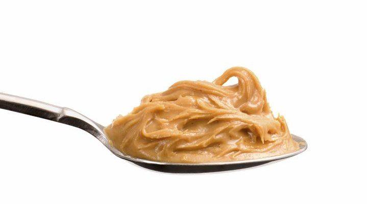 calorías en una cucharada de crema de cacahuate